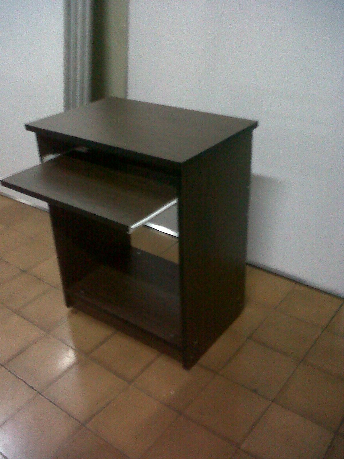 Mesa de computo sin topn